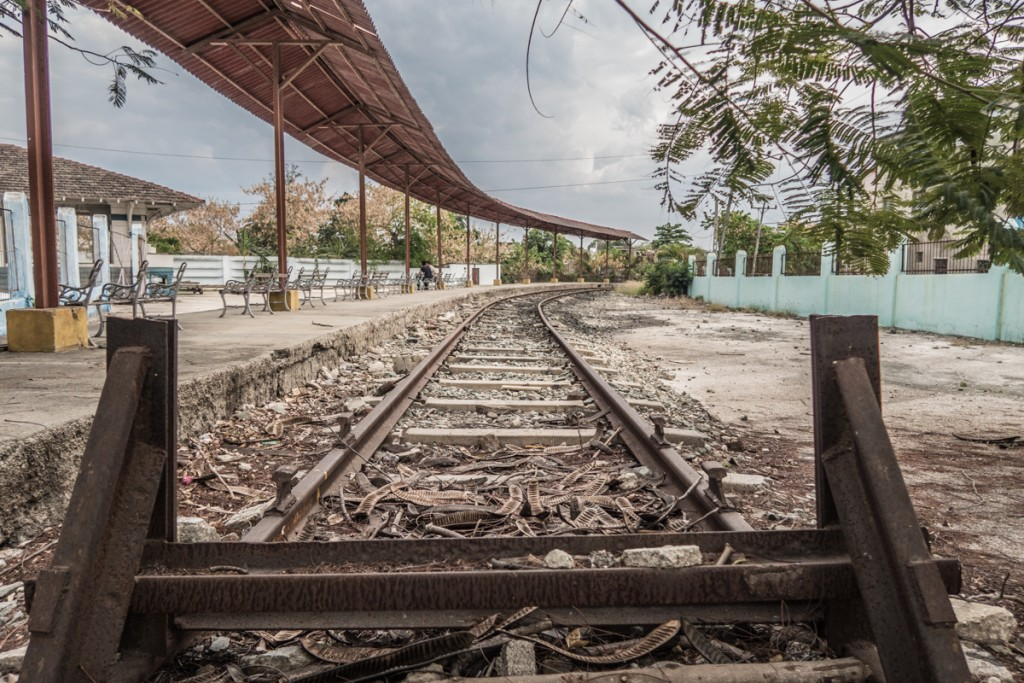 Holguin train station. Or wait - where are the trains?