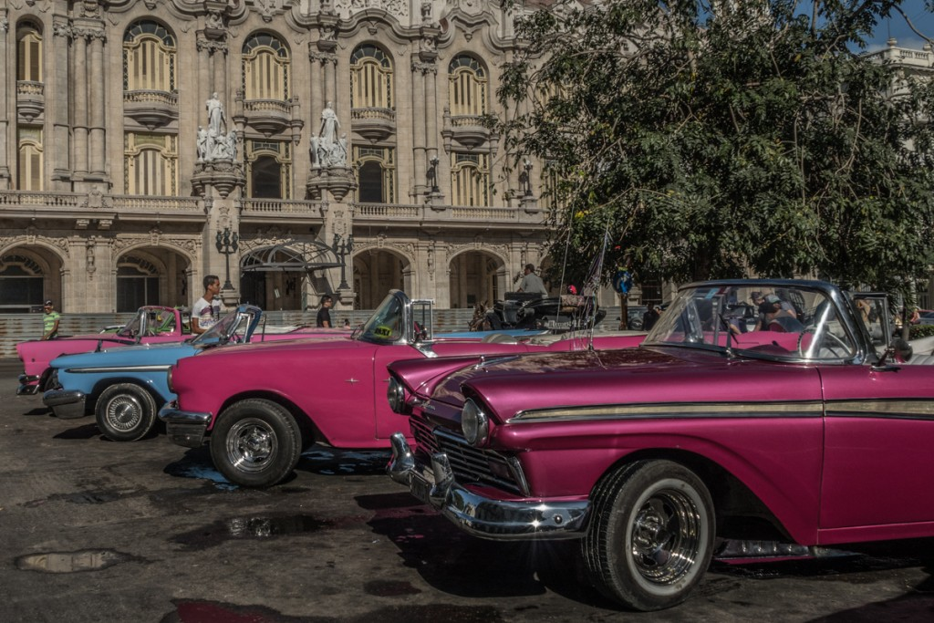 Havanna's hotspots are full of iconic cars. As soon as they are too well polished, they start looking as quotes of Cuba's reality.