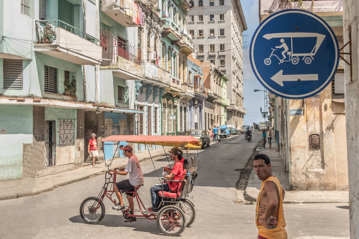 Bike taxis are (still) playing an important role in Cuba, even in Havanna, which is the largest city of the Caribean.